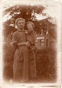 Qui connait ces personnes ? dans Photos mystères img197-213x300